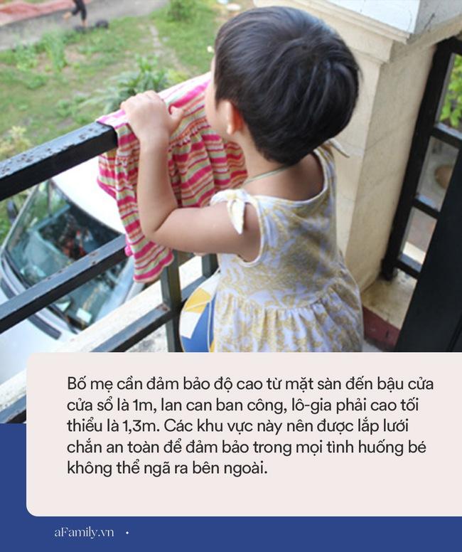 Bé gái 6 tuổi rơi từ tầng 12 xuống đất tử vong ở Hà Nội: Các gia đình có con nhỏ ở chung cư đừng quên những lưu ý này - Ảnh 3.