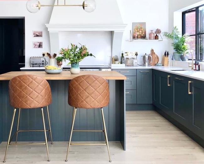 """Cải tạo căn bếp cũ """"lột xác"""" thành không gian nấu nướng đủ tiện ích đẹp miễn chê với ý tưởng không phải ai cũng nghĩ tới - Ảnh 3."""