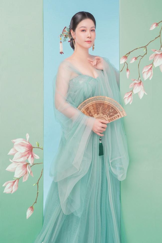 """Sau khi nhận giải thưởng lớn với """"Tiếng sét trong mưa"""", Nhật Kim Anh lại làm mỹ nữ cổ trang đẹp mê đắm - Ảnh 5."""