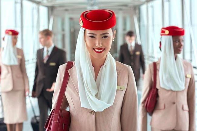 Bí mật về chất vải khiến bộ đồng phục tiếp viên hàng không đẹp nhất thế giới có giá 10 triệu/bộ khiến ai nấy không khỏi ngỡ ngàng - Ảnh 1.