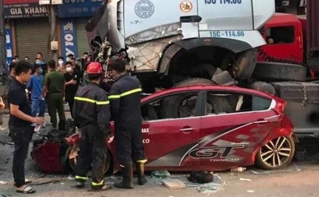 """Nhân chứng tạ hiện trường vụ tai nạn thảm khốc khiến 3 người tử vong: """"Đến sáng nay vẫn không dám đi qua đây vì sợ"""". - Ảnh 5."""