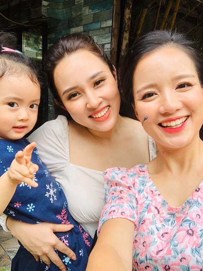 Hot mom Minh Trang khoe dáng thon thả nuột nà, đọ sắc cùng Bảo Trâm khiến chị em ngỡ ngàng, 4 con mà cứ như gái còn son - Ảnh 3.