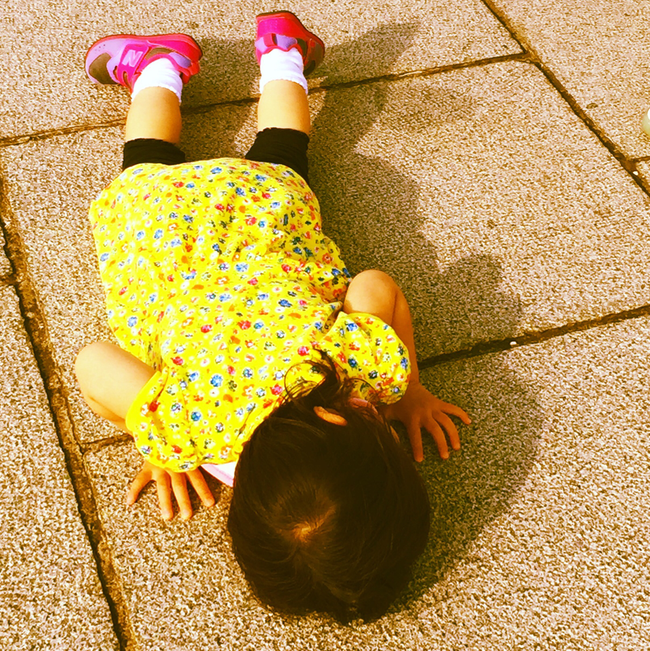 """Những tư thế ngủ có """"thần thái đỉnh cao"""" của các bé, xem xong ai nấy cười té ghế - Ảnh 9."""