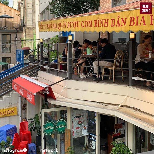 Có một góc quán bình dân ở Hàn Quốc mang đậm chất Việt từ thiết kế đến đồ ăn khiến dân mạng cực thích thú - Ảnh 7.