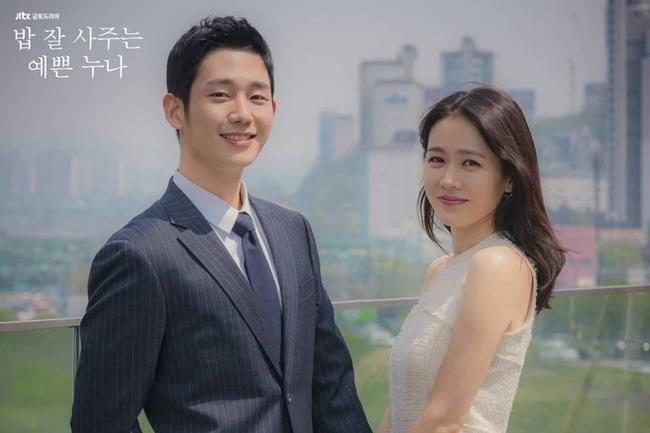 """Cảnh hôn của Son Ye Jin và Jung Hae In trong """"Chị đẹp mua cơm ngon cho tôi"""" đạt chục triệu view sau 2 năm, fan réo gọi bộ đôi tái hợp - Ảnh 6."""