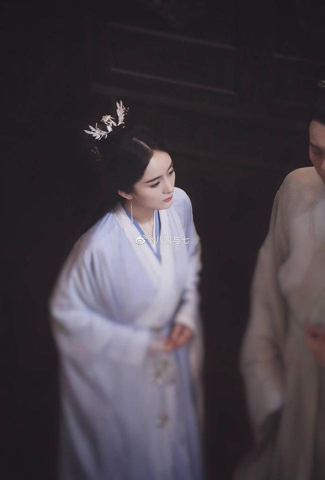 """""""Hộc Châu phu nhân"""": Lộ ảnh làm mỹ nữ cổ trang, Dương Mịch đẹp không kém thời đóng """"Tam sinh tam thế Thập lý đào hoa"""" - Ảnh 2."""
