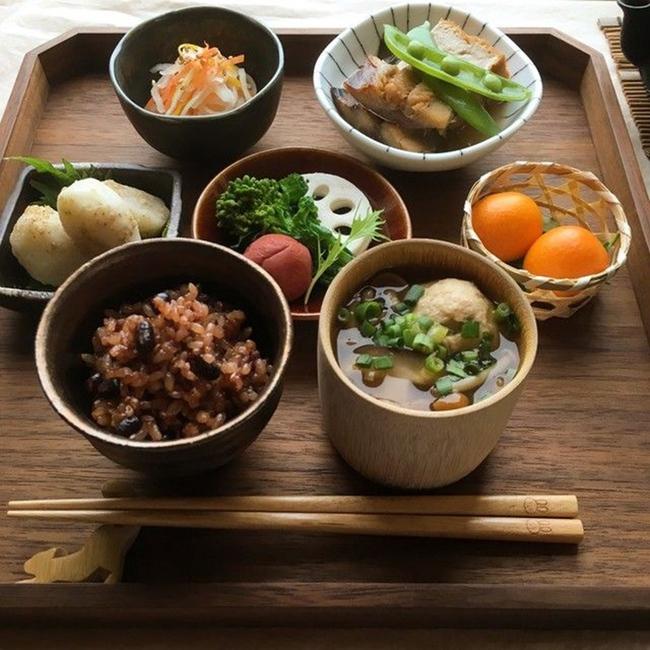 7 loại thực phẩm luôn có trên bàn ăn của người Nhật và thói quen ăn uống giúp họ sống lâu - Ảnh 2.