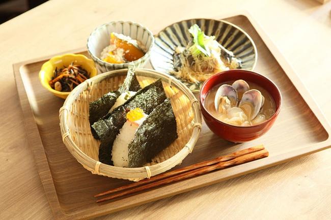7 loại thực phẩm luôn có trên bàn ăn của người Nhật và thói quen ăn uống giúp họ sống lâu - Ảnh 3.