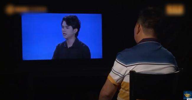 Show có nam MC 30 tuổi xin mẹ không ngủ chung lại rộ drama mới, con trai bỏ đi để lại đống nợ lớn cho bố mẹ - Ảnh 4.
