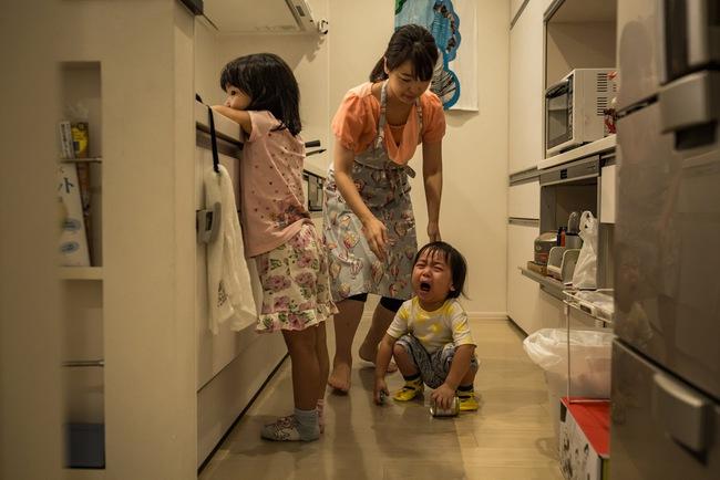 """Tại sao không chỉ đàn ông mà phụ nữ Nhật cũng tán thành quan điểm """"lấy chồng sinh con là phải nghỉ việc""""? - Ảnh 1."""