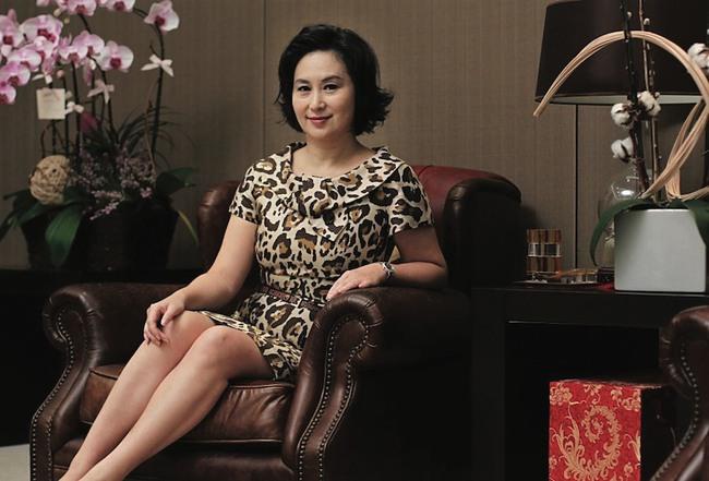 """Sau """"em gái bị bỏ rơi"""" và người cháu ngoài giá thú, Hà Siêu Quỳnh đã có động thái pháp lý với tài sản thừa kế từ Vua sòng bài Macau - Ảnh 1."""