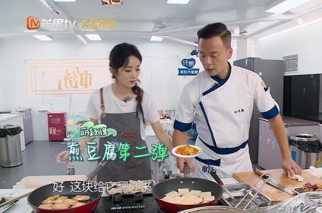 """""""Nhà hàng Trung Hoa 4"""": Fan nổi giận khi cảnh quay của Triệu Lệ Dĩnh bị cắt tàn nhẫn, biến cô thành vai phản diện  - Ảnh 9."""