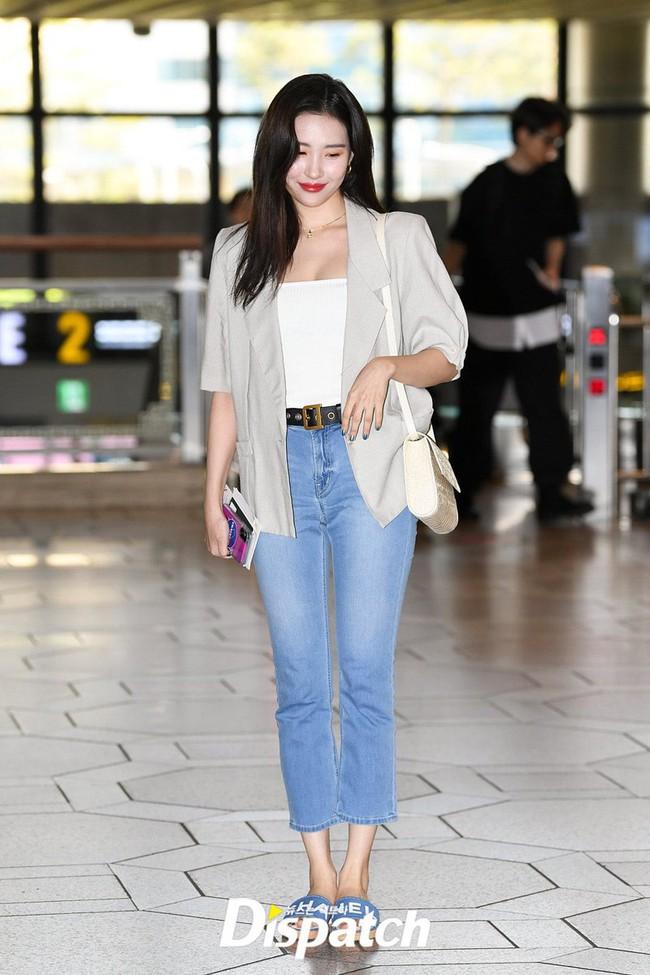 Bạn sẽ không biết mặc quần skinny jeans xấu là gì nếu học 14 set đồ xịn đẹp sau đây của sao Hàn - Ảnh 11.