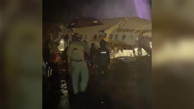Nóng: Máy bay chở người từ vùng dịch về nước gặp nạn, ít nhất 17 người thiệt mạng, hàng trăm người bị thương - Ảnh 4.