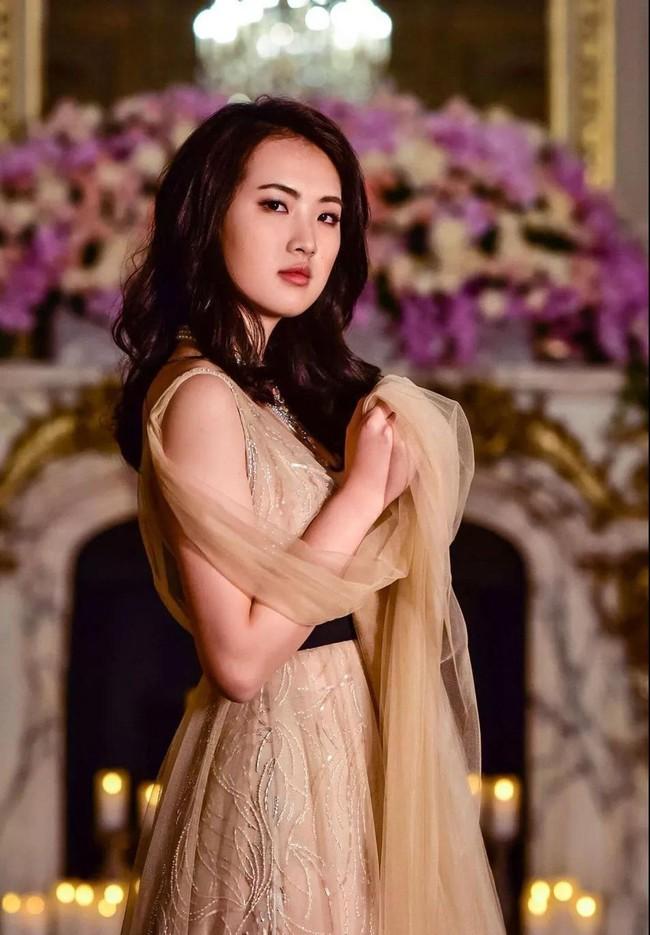 """Ngoài """"thiếu nữ thiên tài"""" vừa được biết đến, đế chế Huawei còn một cô gái tài năng không kém, đó chính là """"Công chúa Huawei"""" Annabel Yao - Ảnh 5."""