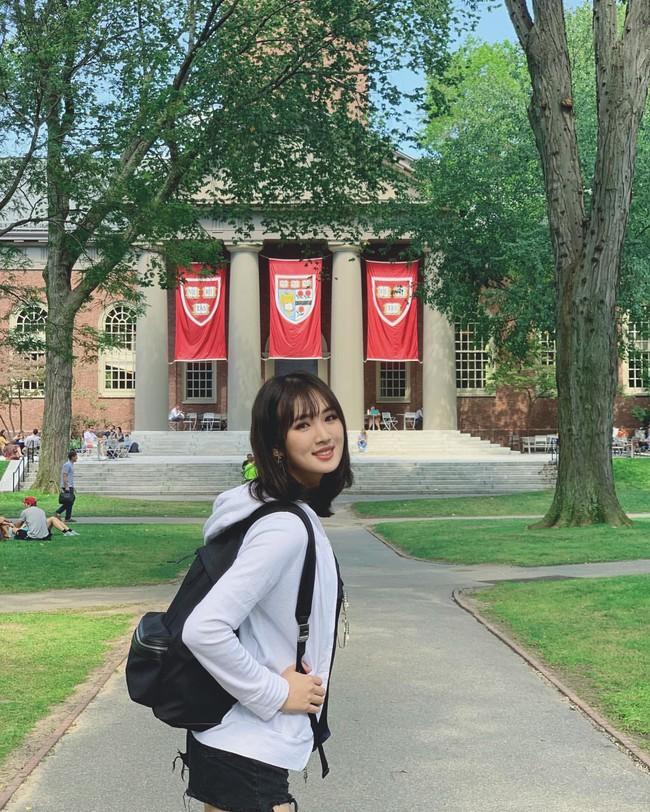 """Ngoài """"thiếu nữ thiên tài"""" vừa được biết đến, đế chế Huawei còn một cô gái tài năng không kém, đó chính là """"Công chúa Huawei"""" Annabel Yao - Ảnh 7."""