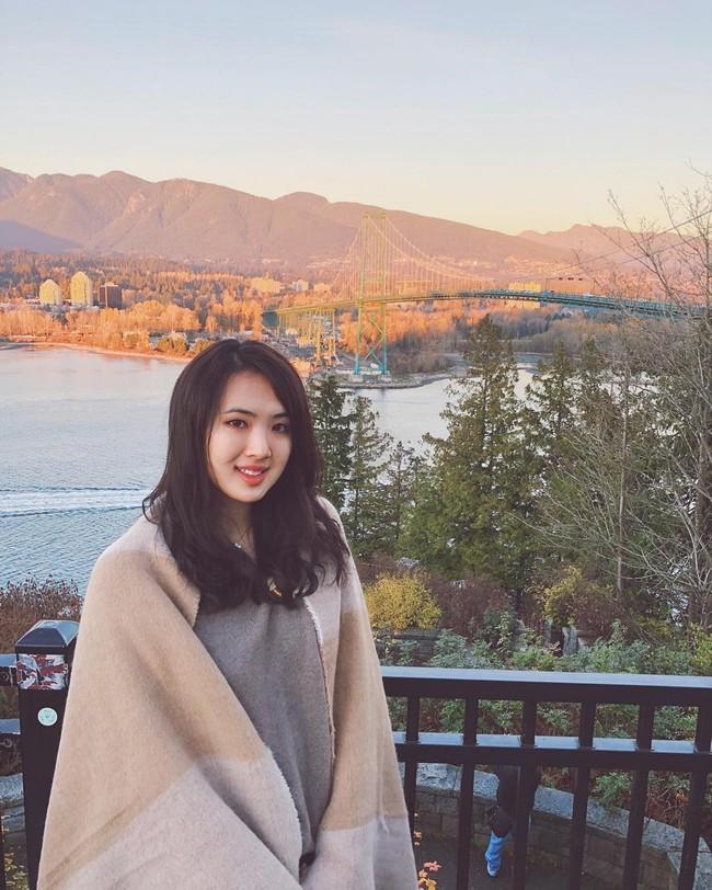 Loạt ảnh ái nữ của ông trùm Huawei: Học giỏi, bình dị nhưng khi khoác lên chiếc váy dạ hội lập tức trở thành công chúa kiều diễm vạn người mê - Ảnh 11.