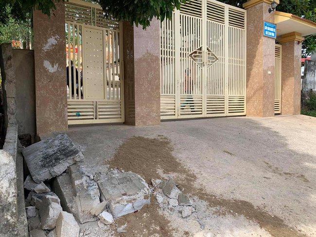 Vụ sập tường bao trường học đè chết một học sinh ở Nghệ An: Hoàn cảnh đáng thương của gia đình nạn nhân - Ảnh 1.