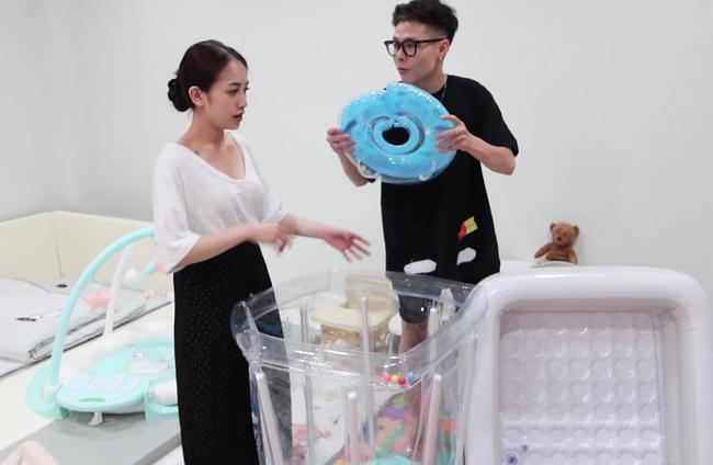 """Vợ chồng con gái Minh Nhựa tự tay chuẩn bị cho con phòng chơi xịn sò, đúng chuẩn rich kid """"ngậm thìa vàng"""" - Ảnh 10."""