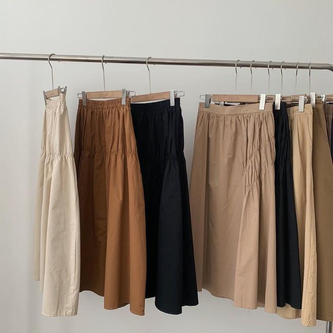 Cứ yên tâm mua đúng 3 món này, sang tới tận mùa Thu năm sau bạn vẫn mặc đẹp mà chẳng lo lỗi mốt  - Ảnh 2.