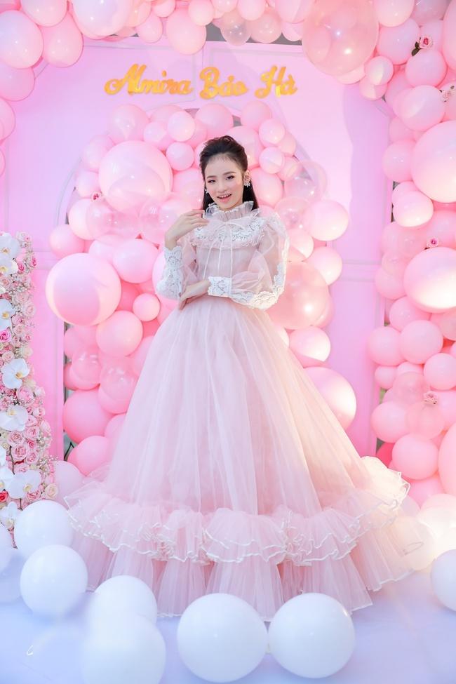 Siêu mẫu Võ Hoàng Yến cùng dàn sao Việt choáng ngợp với tiệc sinh nhật lộng lẫy của mẫu nhí 11 tuổi - Ảnh 3.