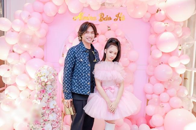 Siêu mẫu Võ Hoàng Yến cùng dàn sao Việt choáng ngợp với tiệc sinh nhật lộng lẫy của mẫu nhí 11 tuổi - Ảnh 8.