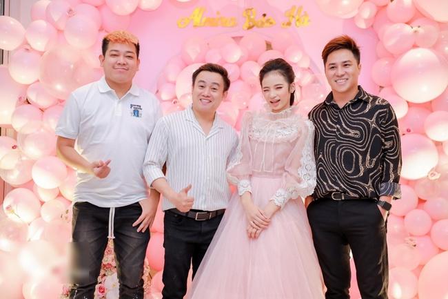Siêu mẫu Võ Hoàng Yến cùng dàn sao Việt choáng ngợp với tiệc sinh nhật lộng lẫy của mẫu nhí 11 tuổi - Ảnh 12.