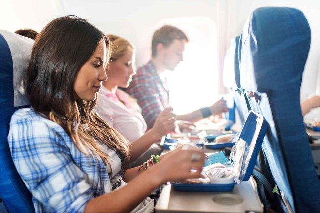 Vì sao hành khách thường lên máy bay từ cửa bên trái - Ảnh 5.