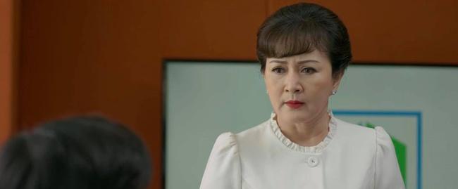 Tình yêu và tham vọng: Hoàng Thổ thua đau trước Phong cũng không khiến fan quan tâm vì Minh đã thừa nhận yêu Linh trước mặt mẹ mình - Ảnh 5.