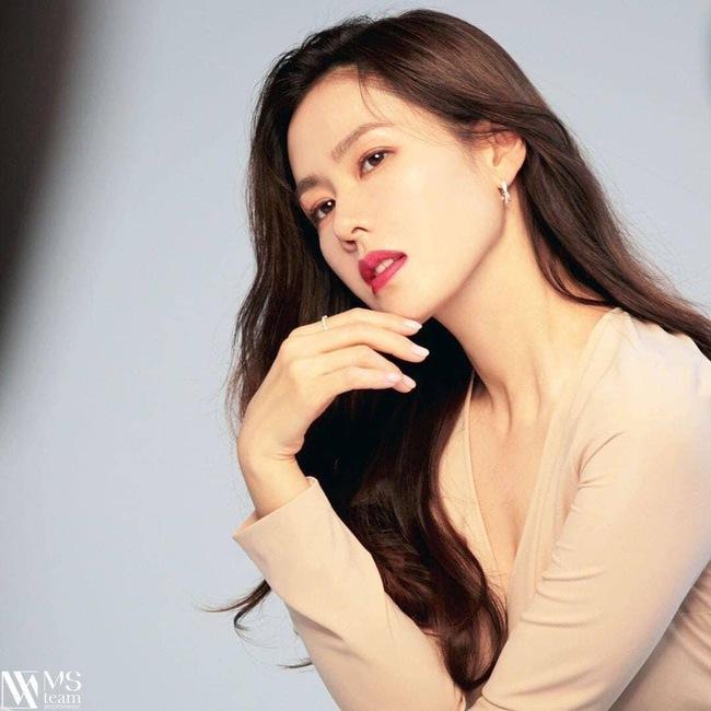 Bất ngờ với BXH nữ diễn viên Hàn Quốc đẹp nhất 2020: Son Ye Jin xuất sắc với vị trí đầu tiên, Song Hye Kyo vắng mặt trong top 5 - Ảnh 2.