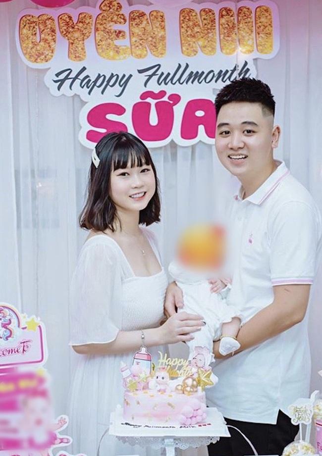 """Chi Bé - bạn thân Linh Ka bất ngờ khoe ảnh đầy tháng con, công khai lên chức mẹ vào năm 18 tuổi khiến nhiều người """"sốc"""" - Ảnh 2."""