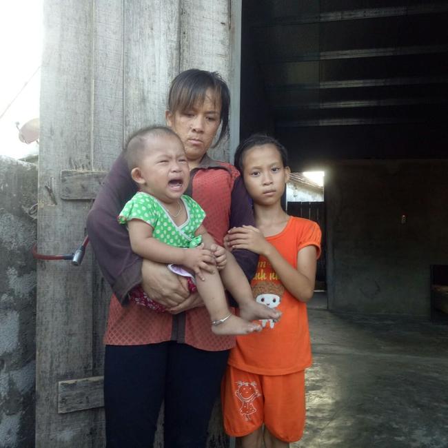 Mẹ mắc bệnh lạ, cơ thể nổi hàng nghìn khối u, bố bỏ đi biệt tích, hai đứa trẻ mịt mù tương lai - Ảnh 7.