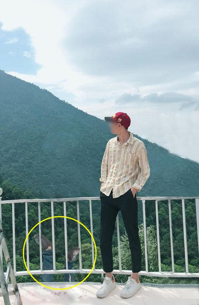 The foolish guy sent a photo thanks to the Photoshop saints to help remove strangers the result was kicked from the railing | Khám phá