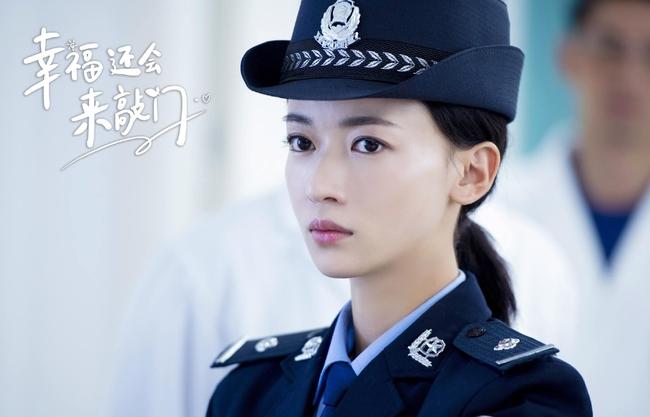 Phim mới của Ngô Cẩn Ngôn - Nhiếp Viễn chỉ đạt Douban 3.8, netizen chê bai vì diễn tệ, tình tiết lỗi thời gây ức chế - Ảnh 7.