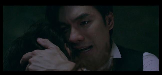 """Nhan Phúc Vinh phải thở oxy vì quay cảnh ôm Diễm My 9x bị bắn, khóc ngất trong tập cuối """"Tình yêu và tham vọng"""" - Ảnh 4."""
