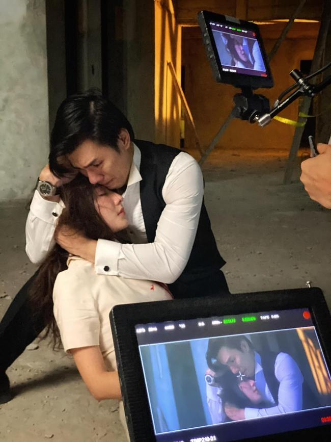 """Nhan Phúc Vinh phải thở oxy vì quay cảnh ôm Diễm My 9x bị bắn, khóc ngất trong tập cuối """"Tình yêu và tham vọng"""" - Ảnh 3."""