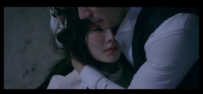 """Nhan Phúc Vinh phải thở oxy vì quay cảnh ôm Diễm My 9x bị bắn, khóc ngất trong tập cuối """"Tình yêu và tham vọng"""" - Ảnh 5."""