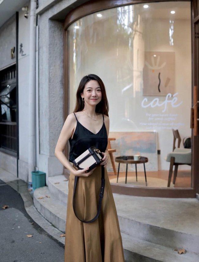 Street style Châu Á tuần này: Hội diện váy ôm sát chiếm thế áp đảo, toàn các chị em khoe body cực phẩm  - Ảnh 12.