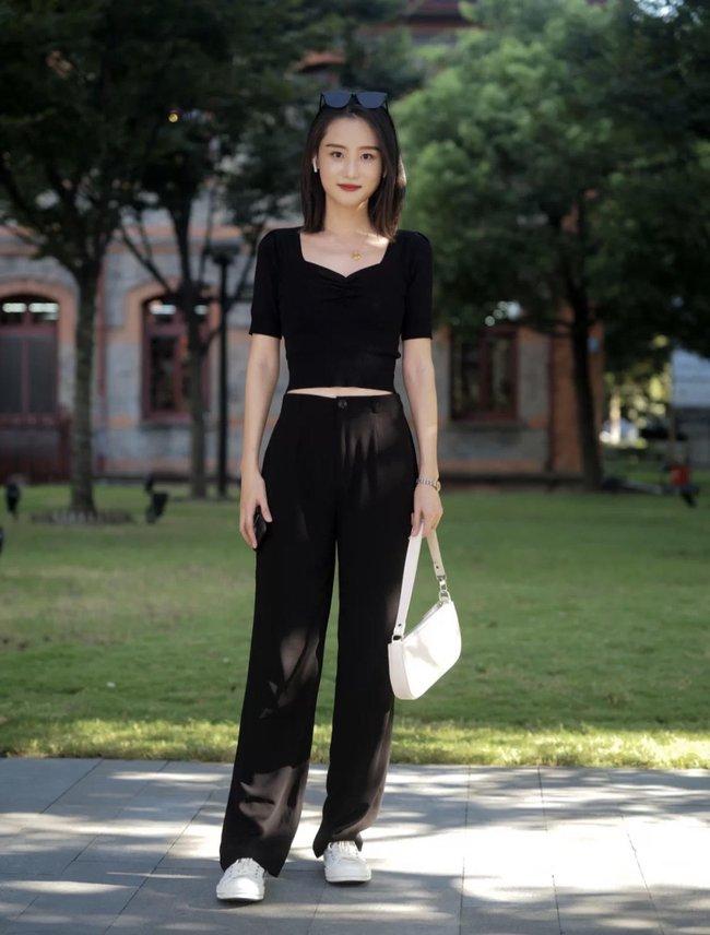 Street style Châu Á tuần này: Hội diện váy ôm sát chiếm thế áp đảo, toàn các chị em khoe body cực phẩm  - Ảnh 11.