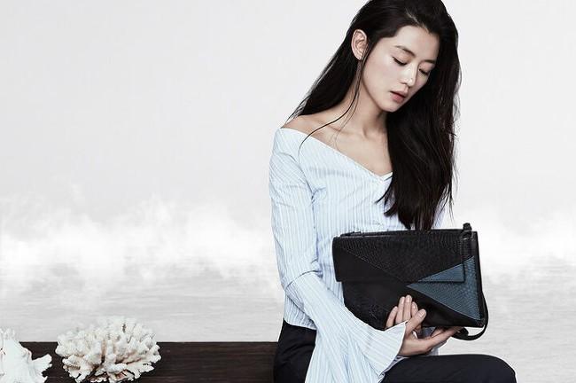 """BXH mỹ nhân Hàn Quốc đẹp nhất trong mắt người nước ngoài: Son Ye Jin và Suzy bất ngờ về chót, """"trùm cuối hóa ra là người này - Ảnh 4."""