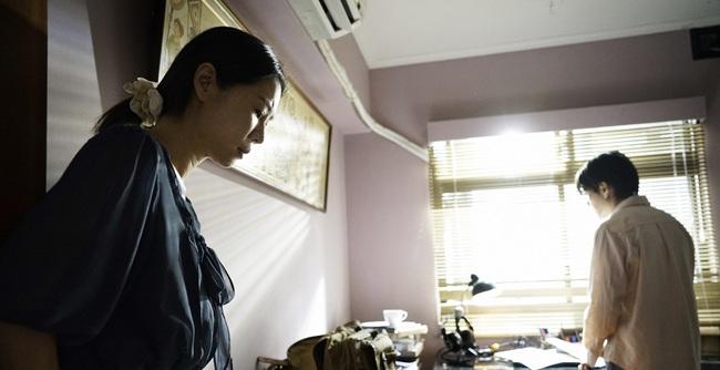 """16 triệu phụ nữ Trung Quốc mắc kẹt trong """"vũng lầy"""" hôn nhân với người đồng tính nam và lối thoát cực đoan của những """"đồng thê"""" bất hạnh - Ảnh 1."""