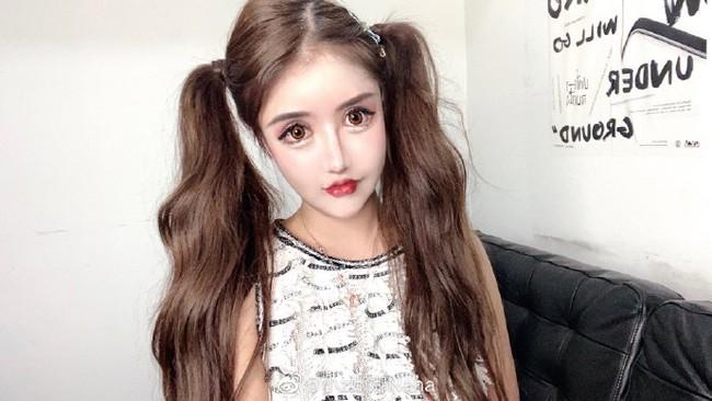 Mẫu nữ Trung Quốc nghiện dao kéo, gương mặt sau 101 lần phẫu thuật thẩm mỹ - Ảnh 1.