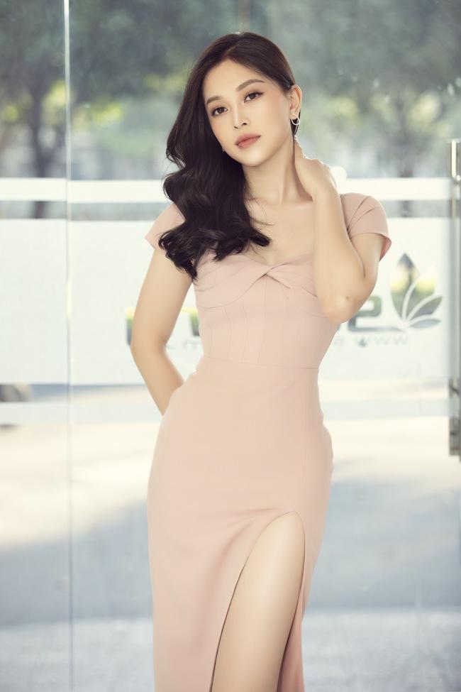 Siêu mẫu Hà Anh tuyên bố đuổi chồng khỏi Việt Nam nếu phát hiện ra tiểu tam - Ảnh 2.