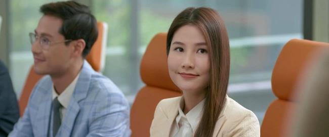 """""""Tình yêu và tham vọng"""" kết thúc viên mãn: Linh thay vị trí của Tuệ Lâm, cả đám cưới náo loạn vì cô dâu đi đẻ - Ảnh 6."""