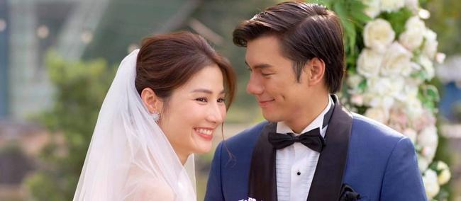 """""""Tình yêu và tham vọng"""" kết thúc viên mãn: Linh thay vị trí của Tuệ Lâm, cả đám cưới náo loạn vì cô dâu đi đẻ - Ảnh 11."""