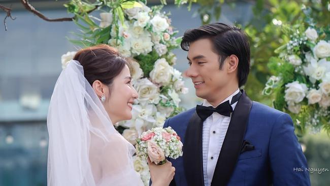 """""""Tình yêu và tham vọng"""" kết thúc viên mãn: Linh thay vị trí của Tuệ Lâm, cả đám cưới náo loạn vì cô dâu đi đẻ - Ảnh 10."""