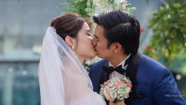 """""""Tình yêu và tham vọng"""" kết thúc viên mãn: Linh thay vị trí của Tuệ Lâm, cả đám cưới náo loạn vì cô dâu đi đẻ - Ảnh 9."""