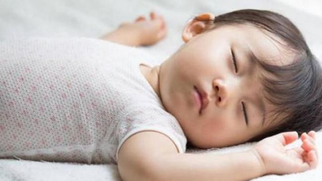 Khi trẻ có 3 biểu hiện này đồng nghĩa với việc dạ dày đang có vấn đề - Ảnh 2.