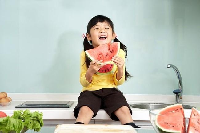 Khi trẻ có 3 biểu hiện này đồng nghĩa với việc dạ dày đang có vấn đề - Ảnh 4.