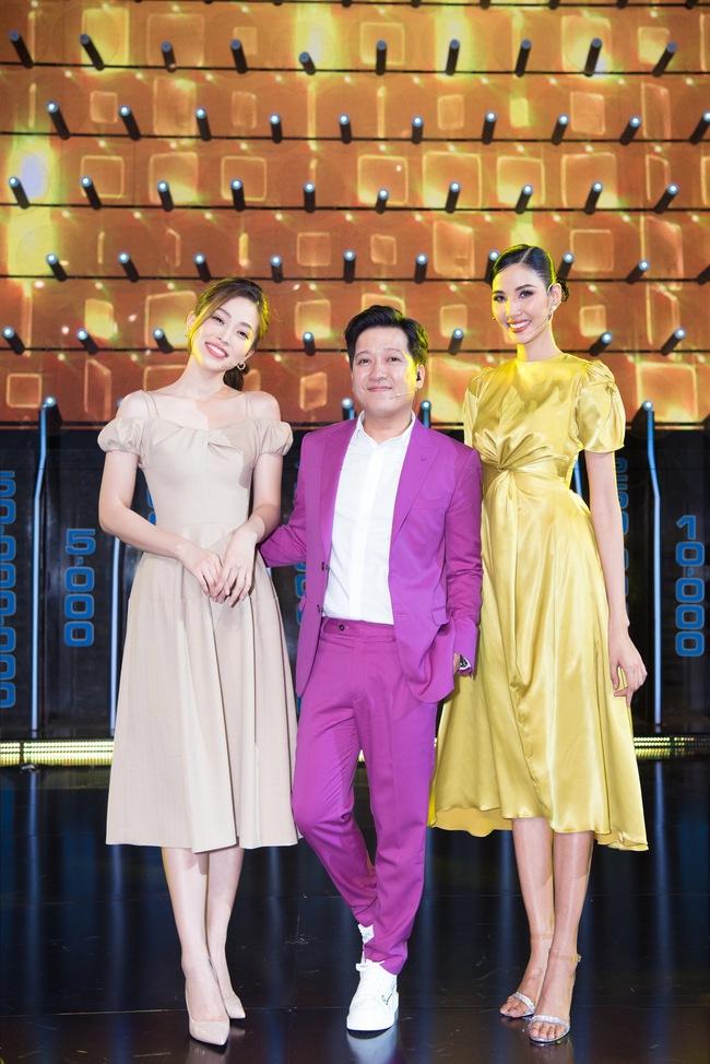 Ai bảo chân dài não ngắn, Á hậu Phương Nga - Hoàng Thùy thắng gần 400 triệu tại gameshow gây choáng váng - Ảnh 3.